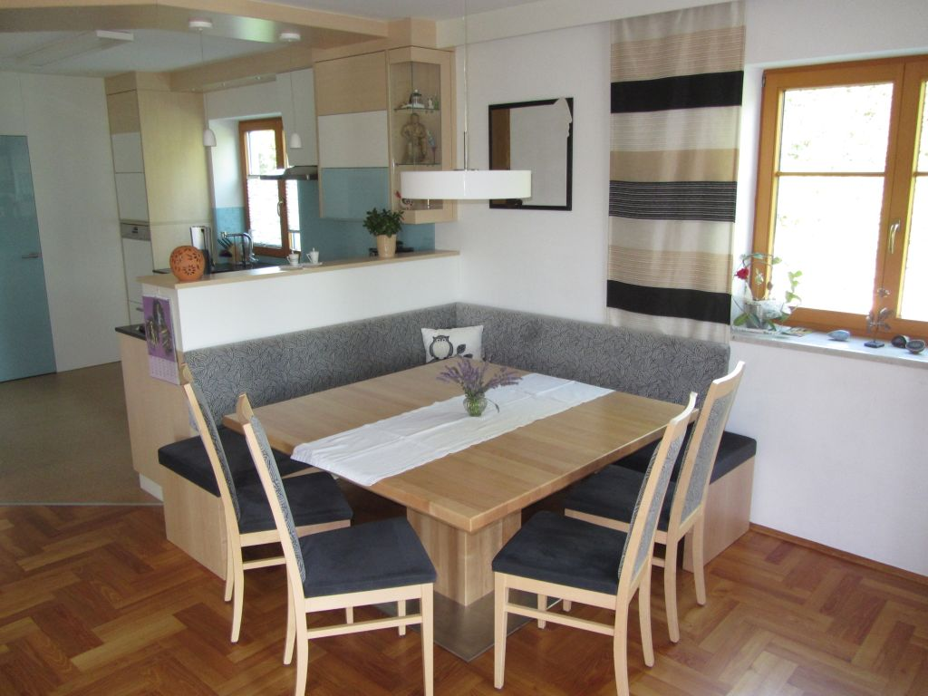 m bel aus holz von a bis z. Black Bedroom Furniture Sets. Home Design Ideas