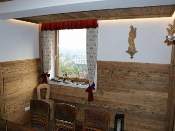 Wand- und Deckenverkleidung in Altholz
