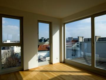 Dachgeschoßwohnung mit Holz/Alu Fenster aus eigener Produktion