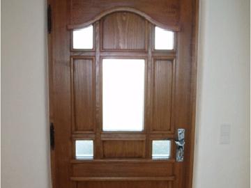 Haustüre in Fichte gebeizt individuell gefertigt
