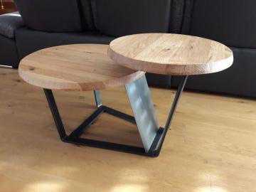 Wohnzimmertisch in Eiche massiv, Tischgestell Rohstahl lackiert